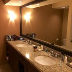 Bathroom Jr Suite