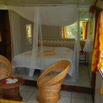 Moustiquaire bien utile et chambre confortable