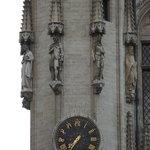 Relógio na fachada da prefeitura
