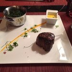 Cenetr Cut Fillet, Mademoiselle size, w side of spinach... Excellent Choice...