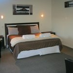Beautiful elegant bedroom!!