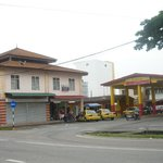 Bus & Taxi Station nearby Hotel Samudera