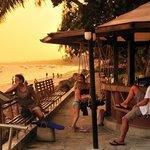 Severin Sea Lodge - Swing Bar