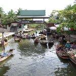 The Tha Kha floating market