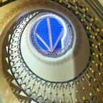 escaleras en caracol vista desde abajo