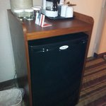 fridge / coffee maker / ice container