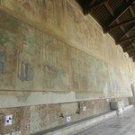 Galleria con affreschi del'300