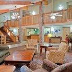 Foto de AmericInn Lodge & Suites Hesston
