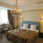 Metropol Hotel room
