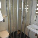 Dusche/WC auf den neuesten Stand und sehr sauber!