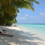 Пляж не перегружен отдыхающими