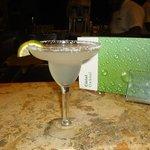 Margarita en el bar