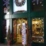 Christmas shop at Hay's Galleria