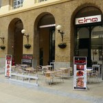 Hay's Galleria - casual restaurants and bars