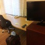 Work Desk + T.V