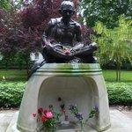 Gandhi Statue (2)