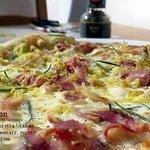 Napoleon Pizza
