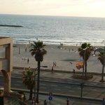с балкона видно море