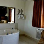 Nice little hot tub in the Presidential Suite (rm 224)