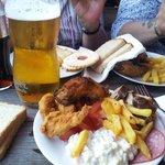 Birra e varie pietanze buonissime
