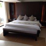 Massive super comfy bed!!