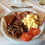 朝食② メイン