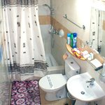 Studio apartment 3 shower room