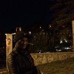 frente do hotel a noite