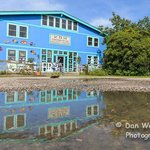 Dan Waters photography, great reflection of the building