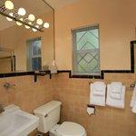 Wellborn bathroom