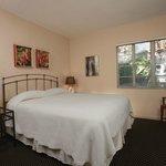 Wellborn bedroom (Room 302)