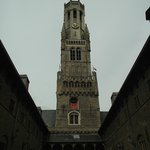 Torre Belfort vista do pátio interno.