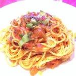 Spaghetti con salsa de tomates secos.....