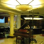 Queen Astoria Hotel – Lobby