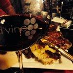 vinho e embutidos
