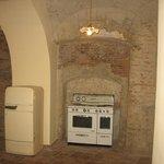 "Cucina all'ingresso del ""Vascio o Basso"""