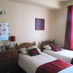 Room 10 Single Beds x 3