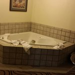 Jacuzzi suite - in desperate need of an update!