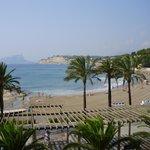 Bahia de Moraira vista desde la terraza del restaurante Sand