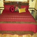 Bollinger Cabin king bed
