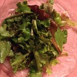 green salad with vinaigrette dressing