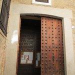 教会内部への入り口