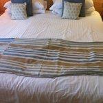 Ruffled bed