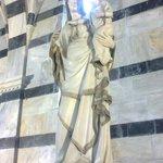 Chiesa della Spina, Pisa statua
