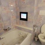 TV sulla vasca idromassaggio