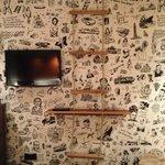 TV e mensola/scaletta