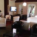 Lounge mit Sky-Sport