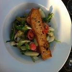 antipasto di verdure con asparagi