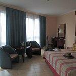 Corner bedroom 7th. floor
