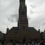 Torre Belfort vista da praça.